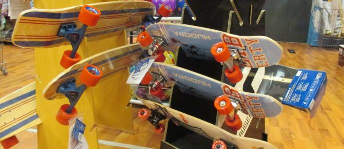 Skateboards für Kinder aus dem Sport-Angebot des Spielzeugladens Zwerg Nase in Bernau