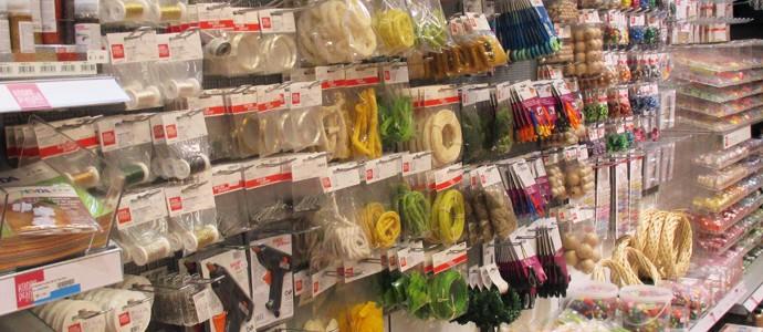 Materialien zum Basteln für Kinder im Spielzeugladen Zwerg Nase in Bernau